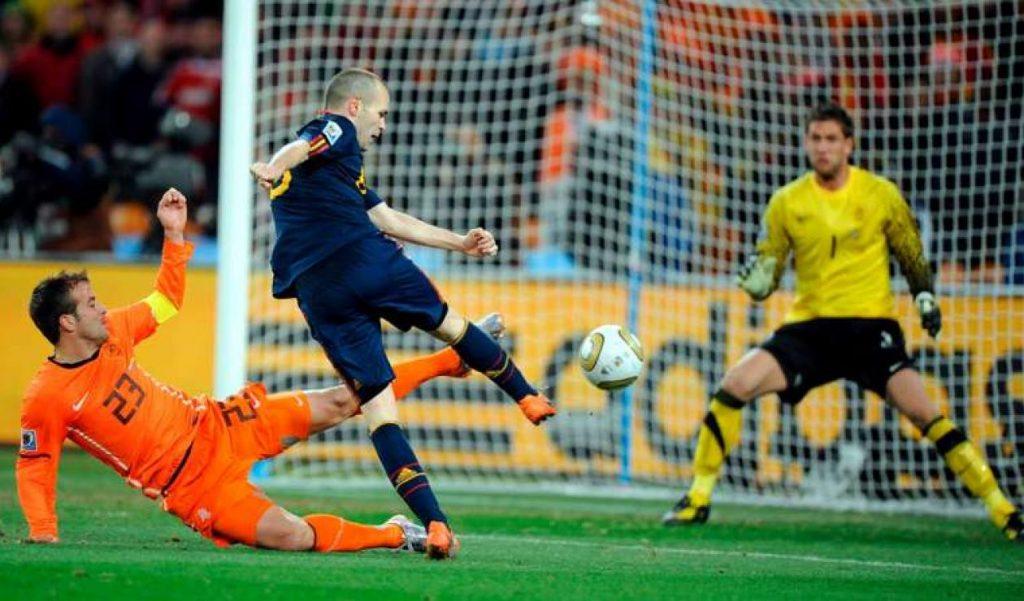 Iniesta en el momento de marcar el gol en la final del Mundial de Sudáfrica 2010 ante Holanda. Foto: AFP