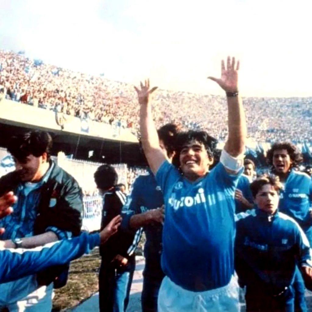 Celebración luego de alcanzar el primer título liguero del Napoli