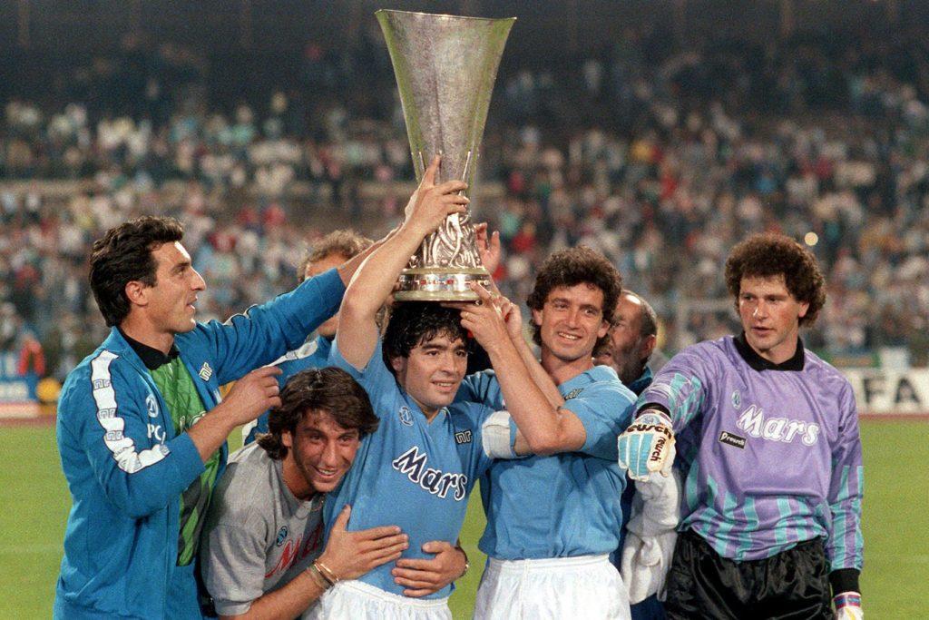 Primer título continental del Napoli
